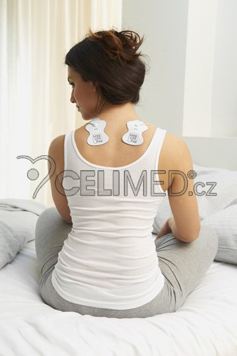 Lady_pads_shoulders_0565-m_